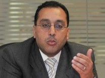 وزير الإسكان يستعرض مشروع العاصمة الإدارية فى…