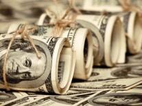 الدولار يسجل مستوى قياسى ببنكي الأهلي ومصر