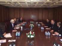 وزير الخارجية يلتقي مع مديرة صندوق النقد…
