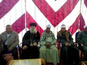 وفود رسمية وشعبية تهنئ الأنبا بيمن بالعيد في قوص2