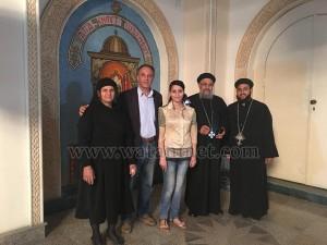 أسر شهداء ليبيا يزورون نظرائهم في الكاتدرائية1