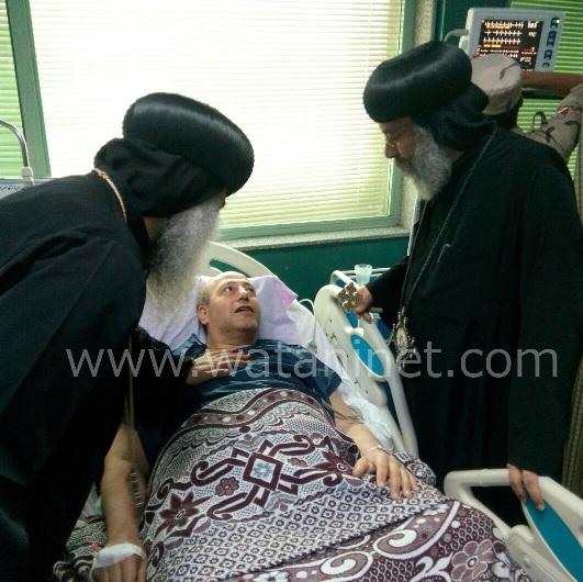الأنبا رافائيل والأنبا بيمن يزورا مصابي تفجيرات كنيسة مارجرجس بالمعادي العسكري (11)