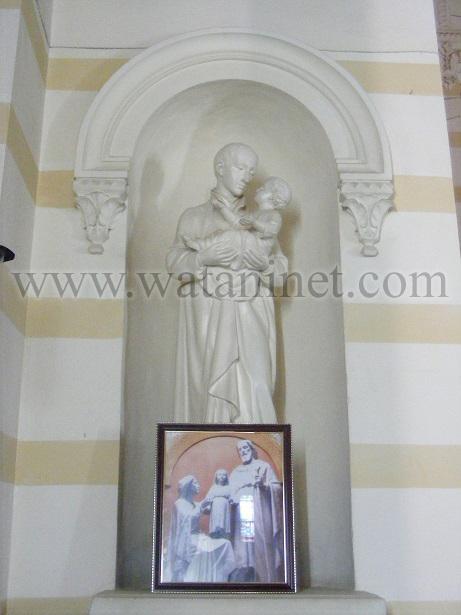 رقم  12   تمثال لقديس من الكنيسة  الكاثوليكية copy