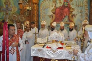 الأنبا ديمتريوس يحتفل بعيد الصليب بملوي4