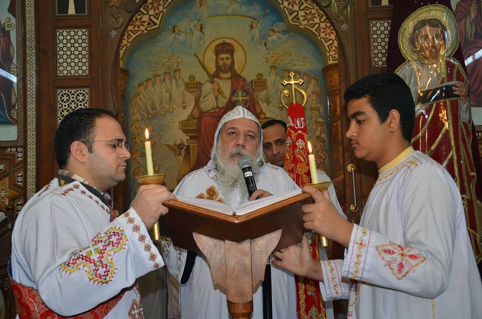 الأنبا ديمتريوس يترأس إجتماع كهنة ملوي (3)