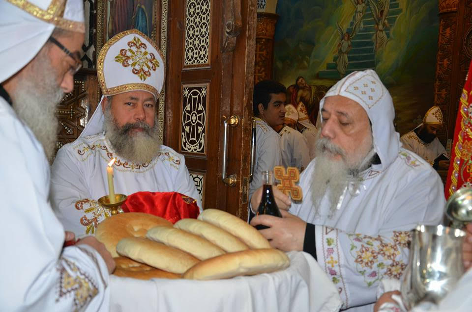 الأنبا ديمتريوس يترأس إجتماع كهنة ملوي (6)
