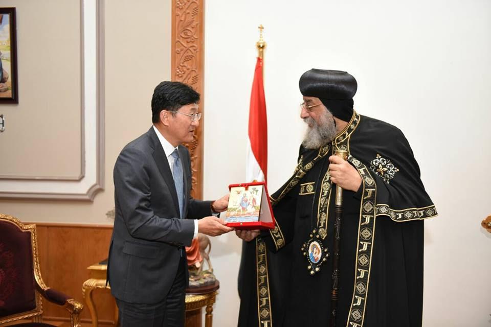 سفير كوريا الجنوبية في ضيافة البابا تواضروس(3)