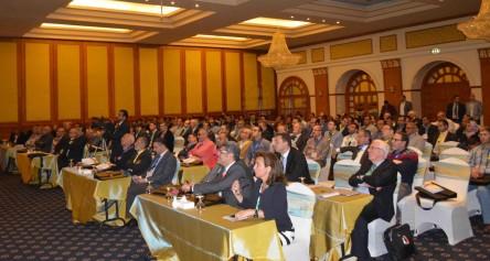 محافظ الاقصر يشهد ختام فعاليات المؤتمر الطبي لجمعية جراحة العظام 2)