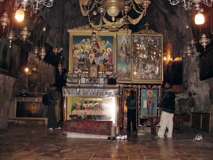 11مع المسيح في طريق الآلام عند قبر العذراء مريم